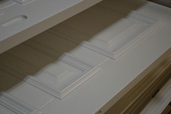 Отделка филёнчатых дверей с раскладкой в столярном производстве