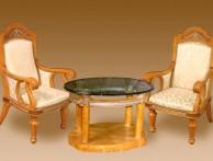 Стол из массива со стеклом